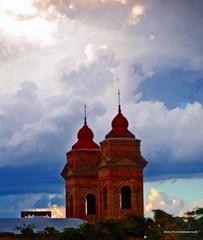 """"""" Sólo le pido a Dios """" (Aprehendiz-Ana Lía) Tags: flickr yahoo nikon fotografía photo nubes iglesia argentina carmendepatagones pciadebsas iglesiaparroquialnuestraseñoradelcarmen patagonia arquitectura city ciudad tormenta centromisionalparalapatagonia luz nwn"""