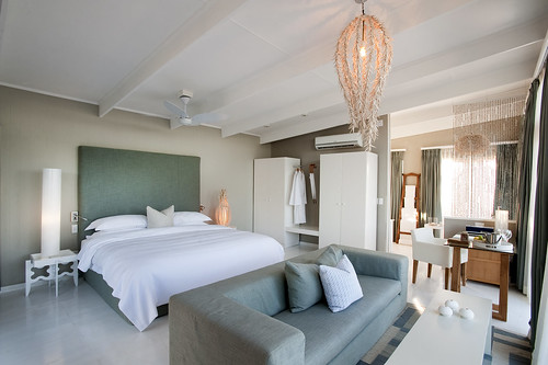 White Pearl - bedroom interior