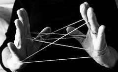 Insegnami i tuoi ricordi giocando col passato (8mariaelena) Tags: bn ricordi bianco tempo nero passato et