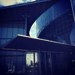 (ilana emer) Tags: blue glass deutschland bonn nrw blau modernarchitecture nordrheinwestfalen dhl helmutjahn deutschepost modernearchitektur bonngermany