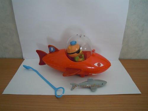 Octonauts  Gup-B and Kwazii/shark