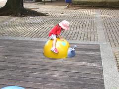 130817 HouLi (jccchou) Tags: red portrait horse woman baby tree hat sunglasses kids children wonder dc toddler comic farm caroline taiwan finepix superhero fujifilm taichung 后里馬場 houli s100fs