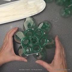 Lmpara realizada con 125 botellas de plstico (Reciclado Creativo - The Reuse Factory) Tags: diy bottles creative plastic howto recycling plstico botellas reciclado creativo upcycling