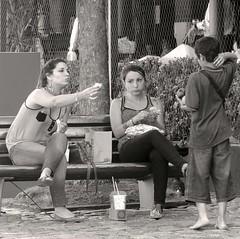 Compartir el pan (carlos_ar2000) Tags: poverty street boy food argentina girl bread calle kid buenosaires chica comida pan niño puertomadero pobreza