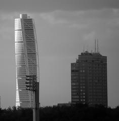 Two Peaks (brandsvig) Tags: bw skyscraper skne sweden calatrava highrise sverige peaks malm valls turningtorso sigma70300 kronprinsen nikond40