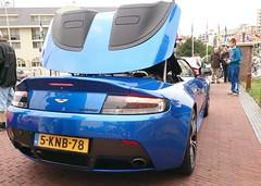 Aston Martin V12 Vantage (MostlyCarPhoto's) Tags: auto english cars car design convertible exotic british autos supercar aston astonmartin sportscar v12 carphotography britishcar carmeet englishcar astonmartinv12 britishsupercar astonmartinv12vantage v12vantage amazingsupercar exoticsupercar flickrandroidapp:filter=none