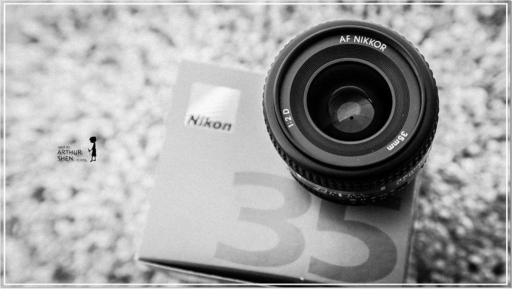 NIKKOR_35mm_f2_b09