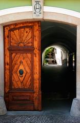 The Portal (B.B. Wijdieks) Tags: street door travel urban fountain way austria town europe village pentax doorway da portal 28 bb 2010 östenreich k20d 1650mm wijdieks