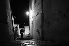 the umbrella's series n. 3 (Vincenzo Elviretti) Tags: genazzano ombrello umbrella fari macchina silhouette notte sera night chiarore lazio italia pioggia rain monocromo luce light remuntada forza roma