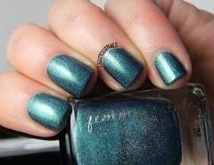Femme Fatale Gentlemen's Scuffle (Simona - www.lightyournails.com) Tags: indienails indies femmefatale teal holographic esmalte smalto vernis manicure unghie nails nailpolish nagellack naillacquer nailswatch