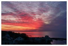 Morgenröte über der Ostsee (thirau) Tags: morgenröte morgenrot sassnitz rügen inselrügen rügenaktuell nature natur balticsea ostsee