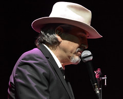 """Howe Gelb • <a style=""""font-size:0.8em;"""" href=""""http://www.flickr.com/photos/10290099@N07/33485750971/"""" target=""""_blank"""">View on Flickr</a>"""