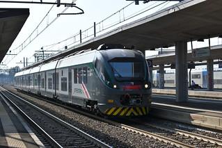 ETR 526.010 TRENORD - INV 39269 Savigliano - Milano Certosa in transito a Torino Stura