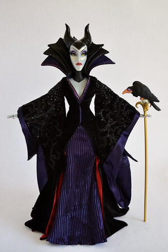 2014 Limited Edition Maleficent Doll - Sleeping Beauty - 17
