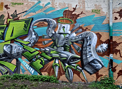 HH-Graffiti 1524 (cmdpirx) Tags: urban streetart art wall writing painting graffiti mural paint artist wand character hamburg can spray crew hh writer hiphop hip hop graff piece aerosol bombing legal wildstyle knstler fatcap strassenkunst