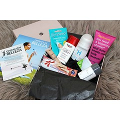 Hoy en www.leatherandicecream.com la #review de la cajita @Glossybox_es de este mes!  #beauty #glossybox #leatherandicecream  Glossy Box tests et avis sur la box (passionthe) Tags: test paris les french la commerce box femme glossy beaut gift instant sa bonne discovery plaisir hommes femmes avis cadeau coffret choisir toutes glossybox cosmetique echantillons