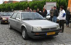 Renault 25 V6 Limousine Heuliez 1986 (XBXG) Tags: auto old france classic netherlands car vintage french automobile nederland voiture des renault 25 fete 1986 paysbas limousine v6 ancienne limousines franaise geertruidenberg heuliez renault25 ftedeslimousines