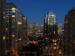 Yaletown at Night #3272