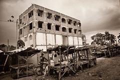 Road to Mombasa #3 (stordito) Tags: life africa street new old people black building construction ruins strada gente suburbs palazzo costruzione vita mombasa undone rovine sobborghi incompleto