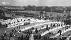 1916年的天安门,赶马走过金水桥