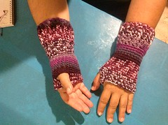 """Evelia Brizuela (The Crochet Crowd®) Tags: fall hands free mikey gloves cathy fans redheart challenge cathys fingerlessgloves challengers challenge"""" freecrochetpattern cathycunningham crochetedgloves crochetedwristers crochetedfingerlessgloves crochetcrowd """"wristers challenge""""wristers teamspirityarn challenge""""""""redheart""""""""challengemikey""""""""michaelsellick""""""""mikey""""""""thecrochetcrowd""""""""freecrochetpattern""""""""freepattern""""""""fallcrochetchallenge""""""""cathyshookclub crochetwristers cathyschallenge""""cathy cunninghamcathy"""