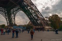 Eiffel Tower - Pilier Ouest (Ennio Fratini) Tags: street travel paris france îledefrance eiffeltower streetphotography olympus viajes monuments francia 2009 ef e510 zd 1260mm
