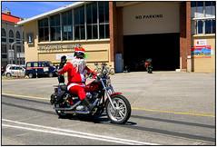 Hobart Santa (like jazz) Tags: santa nikon harley hobart 16mm davidson d90 1250f11 tokina1116mmprodlens