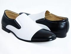 Latest Haul (Napoleon (Vengeful Potentate)) Tags: 1920s 1930s shoes swing 1940s 1950s rockabilly 1960s majestic loafers ragtime blackandwhitespectators blackandwhiteloafers