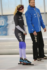 2B5P5613 (rieshug 1) Tags: 500 3000 tilburg 1500 1000 nk juna dames schaatsen speedskating eisschnelllauf junioren nkjunioren ireenwustijsbaan gewestnoordbrabantlimburgzeeland