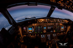 737 Cockpit as Cruising at FL390 as the sun slips beneath the horizon (gc232) Tags: avgeek aviation pilotsview airline pilot cockpit live from flight deck golfcharlie232 sunset boeing b737 b737ng b737700 b737800 b737900 737 737ng 737800 fly flying instruments fisheye tokina 1017mm canon 6d