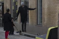 Walk the Line (Rudi Pauwels) Tags: balans fotosondag goteborg gothenburg sverige sweden schweden magasingatan inomvallgraven centrum saturday springtime walktheline tamron 18270mm tamron18270mm nikon d7100 nikond7100 fs170326