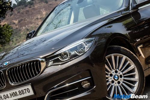 2017-BMW-GT-330i-14