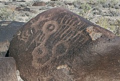Petroglyphs / Grimes Point Site (Ron Wolf (...detests this new design...)) Tags: abstract archaeology circle nevada nativeamerican rake petroglyph anthropology shoshone rockart blm piute connectedcircles numic grimespoint repatination greatbasincurvilinear nestedcurves nvch3