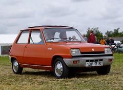 Renault 5 TL rouge (gueguette80 ... Définitivement non voyant) Tags: old cars juin 5 renault autos picardie somme anciennes françaises 2013 quivieres