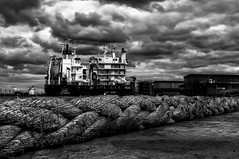 The ship's rope (Wijnand Schouten) Tags: fuji x100 wijnand blackwhitephotos creativemindsphotography wijnandschouten vigilantphotographersunite wwwwijnandschoutencom