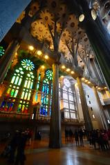 coluna (Vitor Nisida) Tags: barcelona arquitetura espanha templos gaud catalunya igrejas sagradafamlia antonigaud catalunha coluna