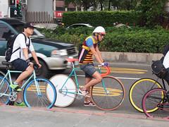 # 20131020 Critical Mass Taiwan 台灣單車臨界量 Taipei (funkyruru) Tags: postprocessed bike taiwan snap cycle fixie fixedgear taipei pista trackbike olympusomdem5 mzuikodigital1250mmf3563ez criticalmasstaiwan台灣單車臨界量20131020taipei