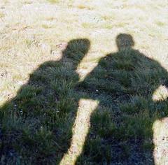 (Zavras) Tags: camping grass zeiss t colorado shadows kodak alma hasselblad 400 carl 14er 500 elm portra sonnar 400nc 150mm kitelake