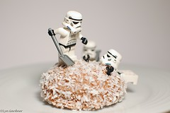 (Tunnocks) Snowball Fight (LynG67) Tags: lego stormtrooper snowball minifigs tunnocks minifigures vision:outdoor=0748