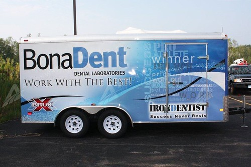 vehicle-wraps-graphics-vinyl-fleet-large-trailer-bna-passenger