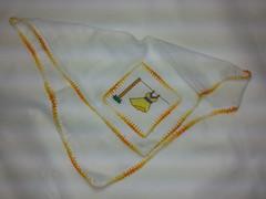 Fralda de Boca - Vestido Amarelo F020 (SaluArts) Tags: de pano cruz infantil beb boca ponto paninho fralda fraldinha enxoval