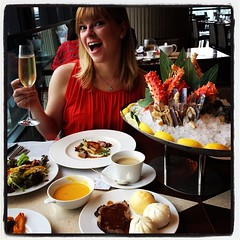Woah! The wedding anniversary continues! Champagne Sunday brunch featuring a massive seafood spread + everything #CantWaitTilNextYear