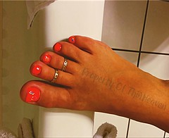 I hope you enjoy! thinheaven@hotmail.com email me sometime. (thinheaven) Tags: toes toering footjob barefoot polished painted