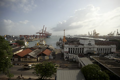 Colombo Harbor view from the Grand Oriental Hotel (Scalino) Tags: harbor boat asia cranes srilanka shipping colombo shipment southasia ceylan