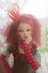 Queen Alice (chandrasboxofstars) Tags: wig handmadeclothes hyun dollstown heliantes