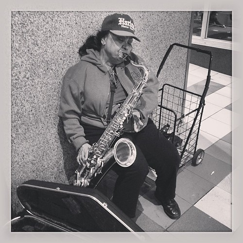 "Sax on Broadway #buskers • <a style=""font-size:0.8em;"" href=""http://www.flickr.com/photos/35408999@N00/9728067653/"" target=""_blank"">View on Flickr</a>"