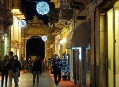 Taormina Natale 2013 - Porta Messina (Luigi Strano) Tags: christmas italy europa europe italia sicily taormina natale sicilia sicile sizilien италия европа сицилия таормина merrychristmas2013 buonnatale2013