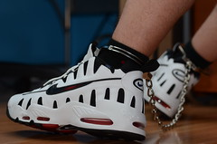 Chained Up in my Nike Nomos (DSC_5194) (jakewolf21) Tags: max air bondage nike chain nm nomo chained legirons