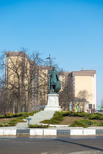 Памятник святому великомученику Димитрию Солунскому