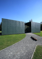 IMG_4118 The House by Robbrecht & Daem (marklarmuseau) Tags: robbrechtendaemarchitekten pavilionhethuis thehouse middelheimmuseum antwerp belgium sculpturepark antonygormley